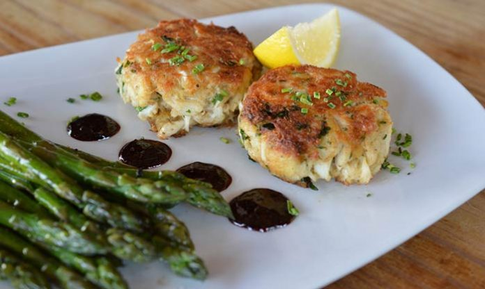 Acme Lowcountry Kitchen, Jumbo Lump Crab Cakes with Asparagus